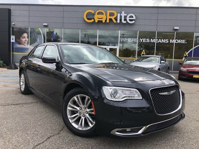2019 Chrysler 300 Touring L AWD
