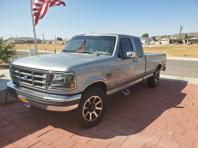 1995 Ford F-250 2 Dr XLT Extended Cab LB