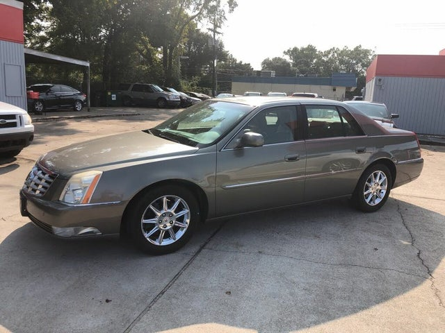2010 Cadillac DTS Luxury FWD