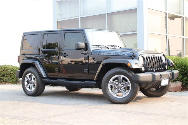 2017 Jeep Wrangler Unlimited Smoky Mountain 4WD