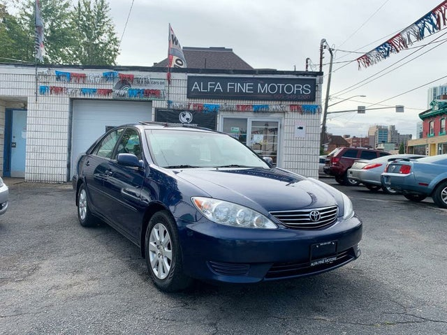 2005 Toyota Camry LE V6