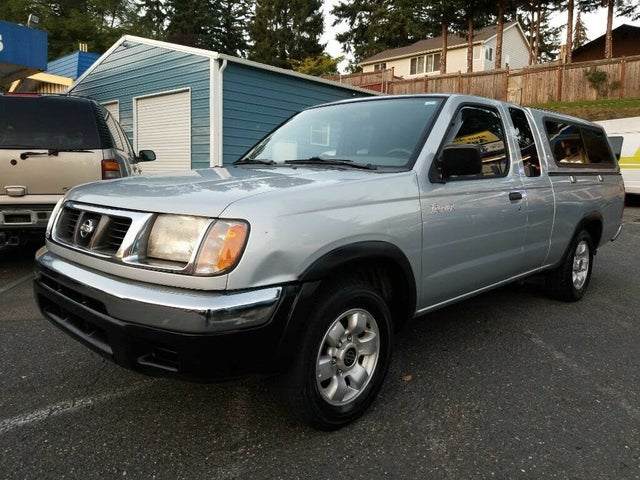 2000 Nissan Frontier 2 Dr XE Extended Cab SB