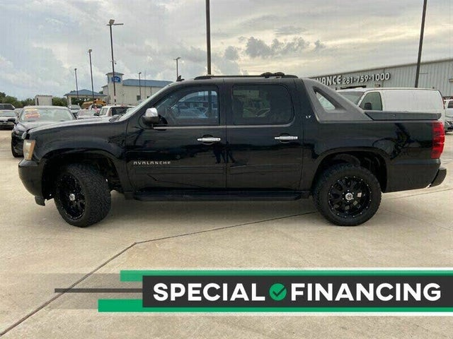2011 Chevrolet Avalanche LT RWD