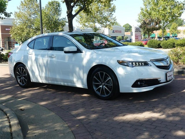 2017 Acura TLX V6 FWD with Advance Package