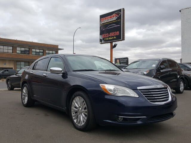 2014 Chrysler 200 Limited Sedan FWD