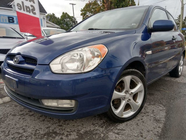 2011 Hyundai Accent L Sport 2-Door Hatchback FWD
