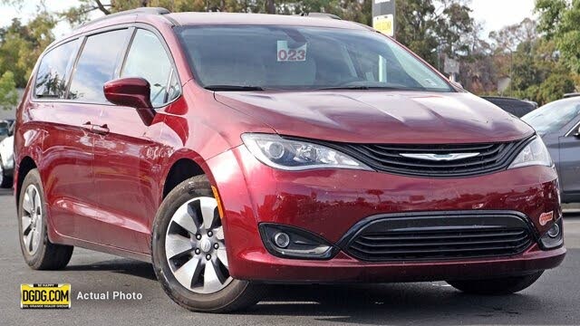 2018 Chrysler Pacifica Hybrid Touring Plus FWD
