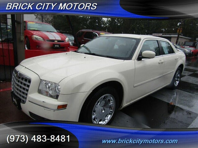 2005 Chrysler 300 Touring RWD