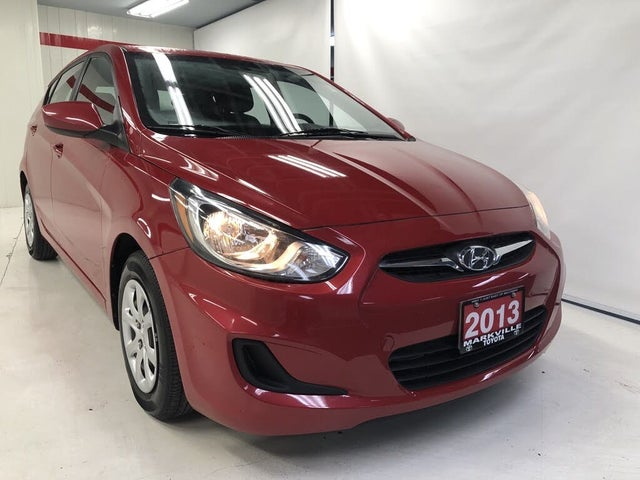 2013 Hyundai Accent GL 4-Door Hatchback FWD