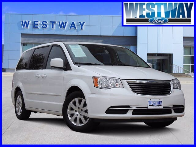2016 Chrysler Town & Country LX FWD
