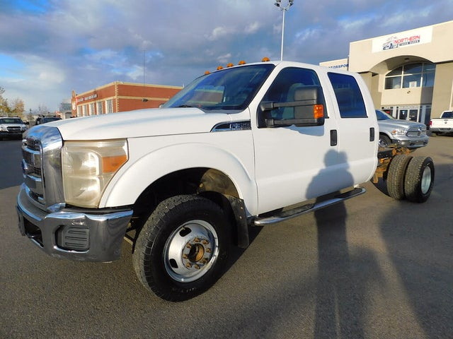 2012 Ford F-350 Super Duty Chassis XLT Crew Cab DRW 4WD