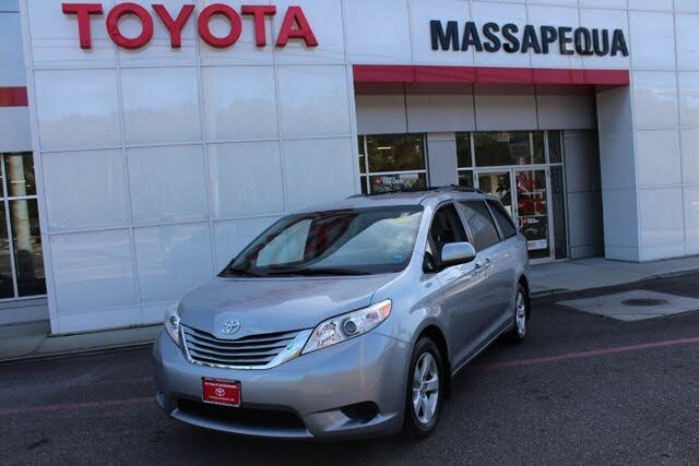 2017 Toyota Sienna LE 8-Passenger FWD