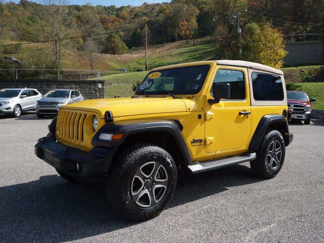 2020 Jeep Wrangler Black and Tan 4WD