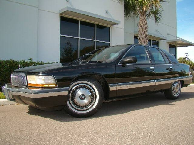 View 1995 Buick Roadmaster Sedan