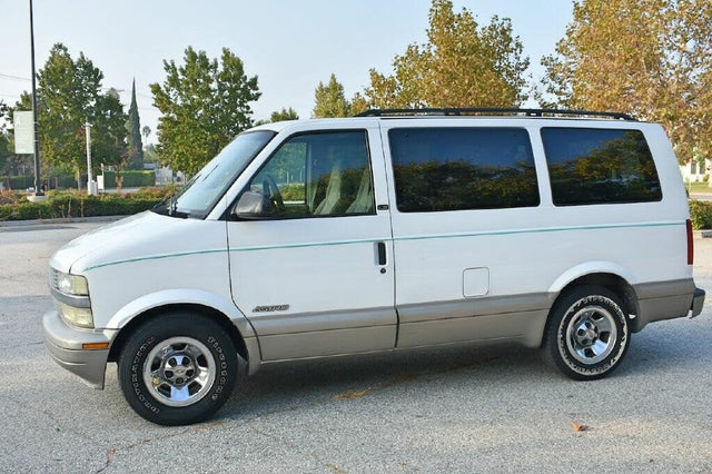 2002 Chevrolet Astro LT Extended RWD