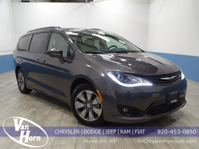 2018 Chrysler Pacifica Hybrid Limited FWD