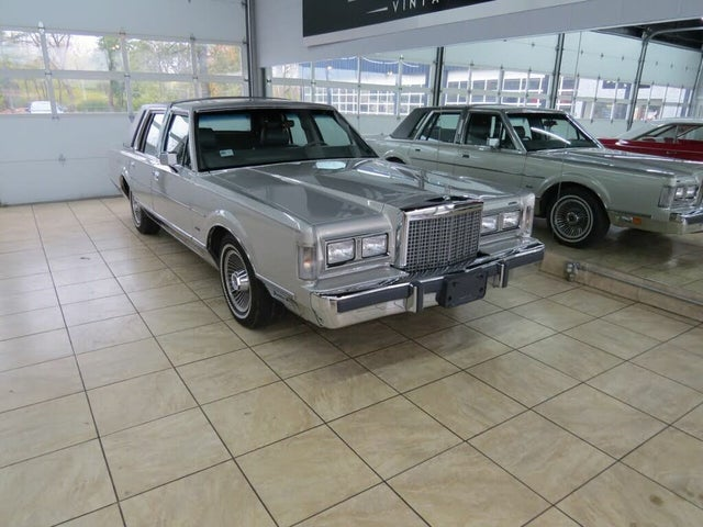 1986 Lincoln Town Car Base