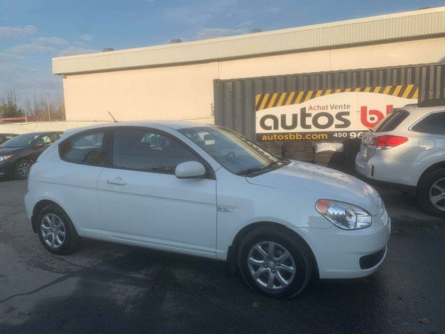 2011 Hyundai Accent GL 2-Door Hatchback FWD