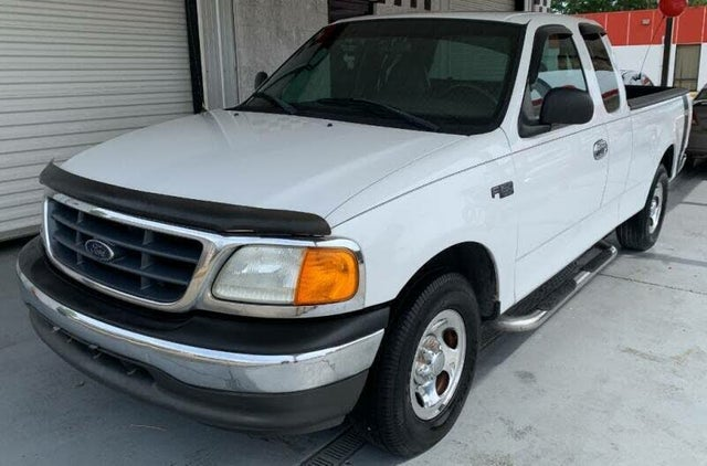 2004 Ford F-150 Heritage 4 Dr XL Extended Cab SB