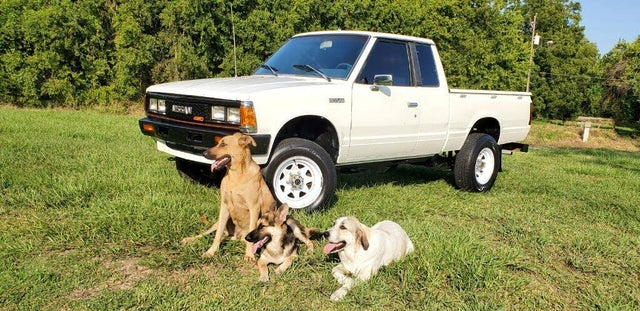 1984 Nissan Pickup 2 Dr DLX 4WD Extended Cab SB