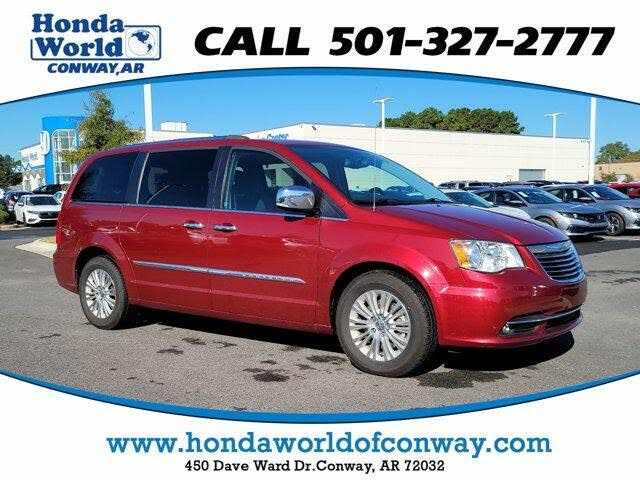 2016 Chrysler Town & Country Limited FWD