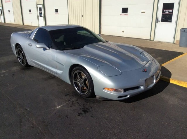 2000 Chevrolet Corvette Coupe RWD