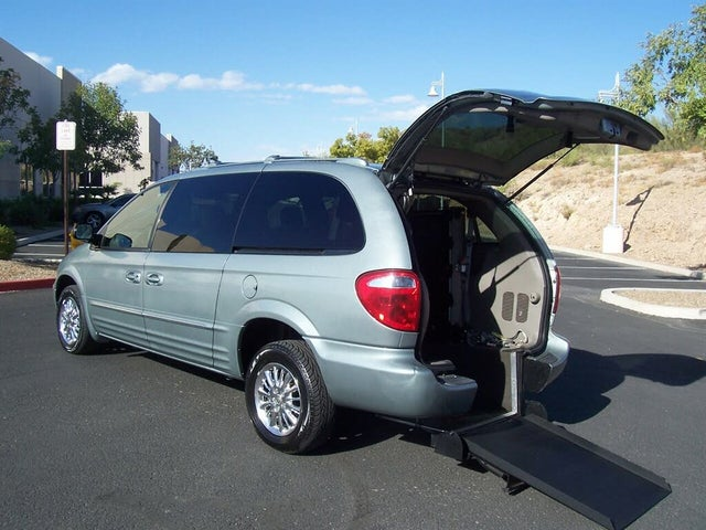 2003 Chrysler Town & Country Limited LWB FWD