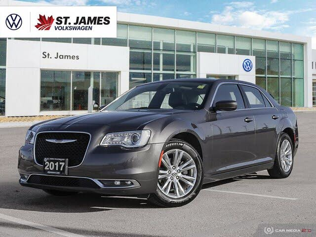 2017 Chrysler 300 Touring RWD