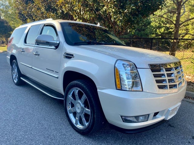 2011 Cadillac Escalade ESV Luxury 4WD