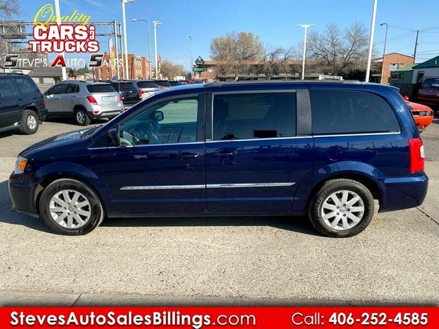2014 Chrysler Town & Country Touring FWD