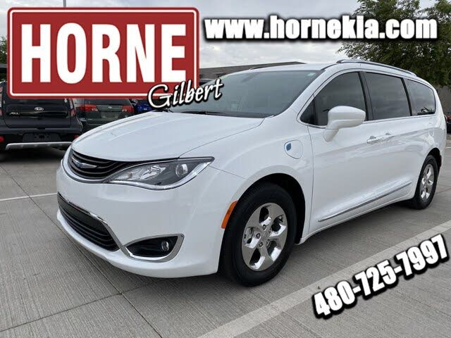 2018 Chrysler Pacifica Hybrid Touring L FWD
