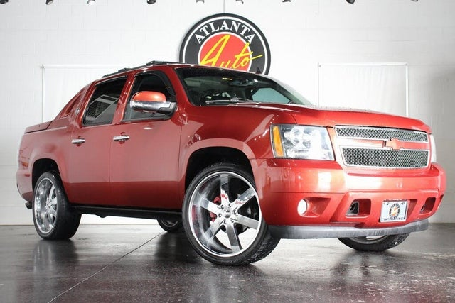 2013 Chevrolet Avalanche LTZ Black Diamond Edition RWD