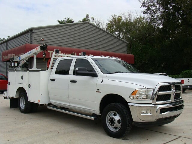 2018 RAM 3500 Chassis Tradesman Crew Cab 4WD