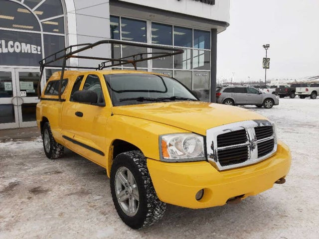 2007 Dodge Dakota SLT Club Cab 4WD RWD