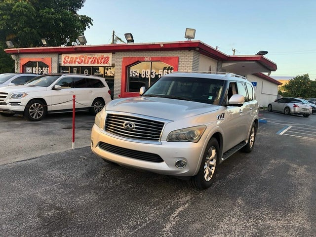 2011 INFINITI QX56 4WD with Split Bench Seat Package