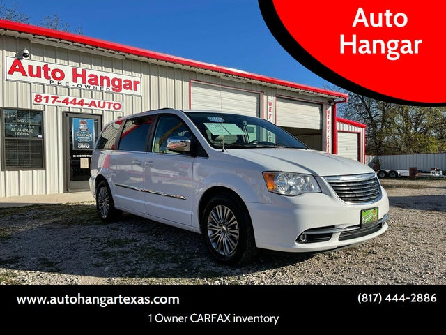 2014 Chrysler Town & Country Limited FWD