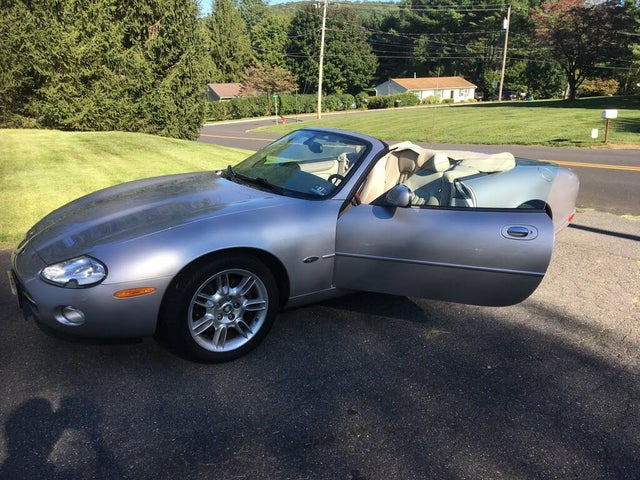 2001 Jaguar XK-Series XK8 Convertible RWD
