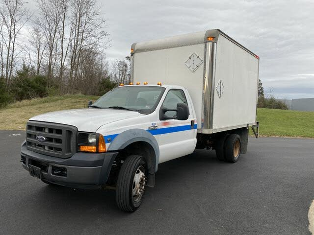 2006 Ford F-450 Super Duty Chassis DRW RWD