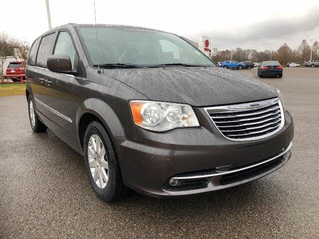 2015 Chrysler Town & Country Touring FWD