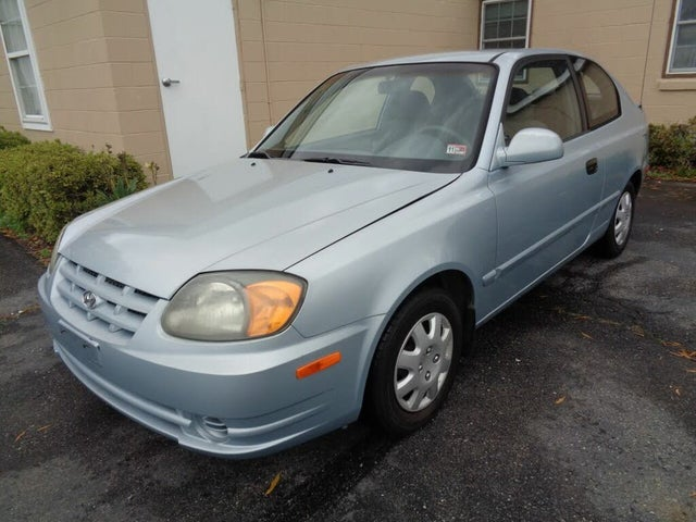 2004 Hyundai Accent GL 2-Door Hatchback FWD