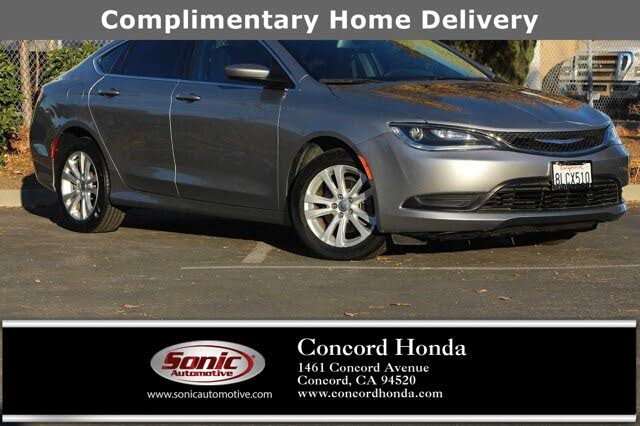2016 Chrysler 200 Touring Sedan FWD