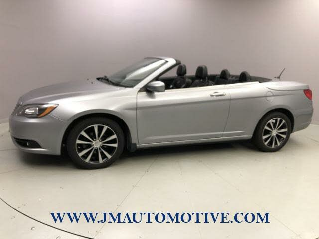 2013 Chrysler 200 S Convertible FWD