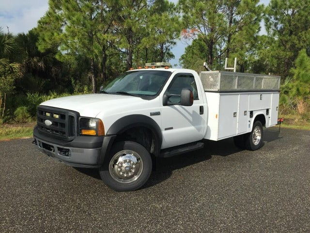 2007 Ford F-550 Super Duty Chassis Regular Cab DRW 4WD