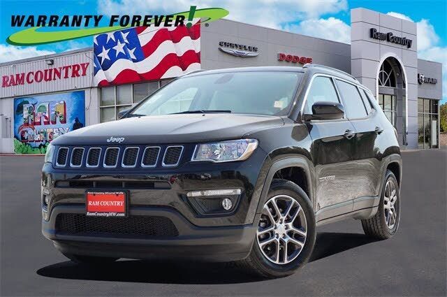 2019 Jeep Compass Latitude with Sun and Wheel Package FWD