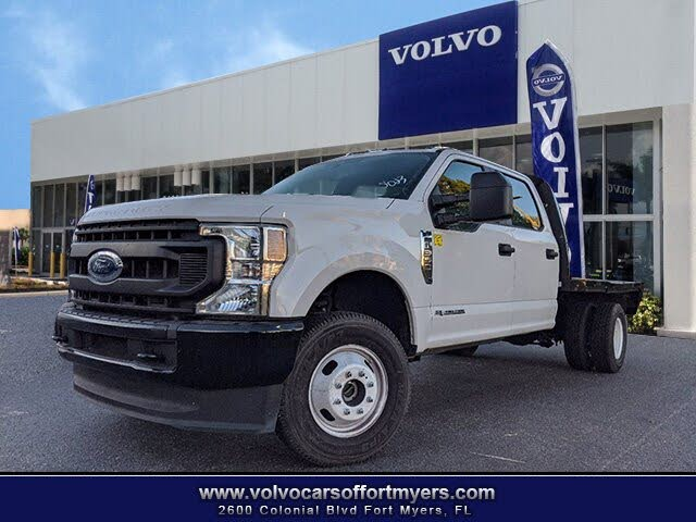 2020 Ford F-350 Super Duty Chassis XLT Crew Cab DRW 4WD