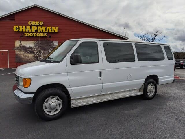 2005 Ford E-Series E-350 Super Duty XL Extended Passenger Van