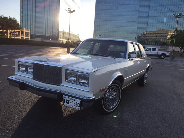 1982 Chrysler New Yorker Base