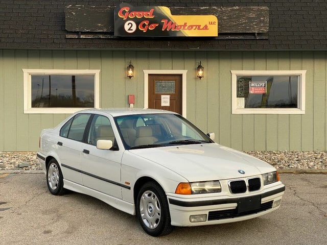1997 BMW 3 Series 318i Sedan RWD