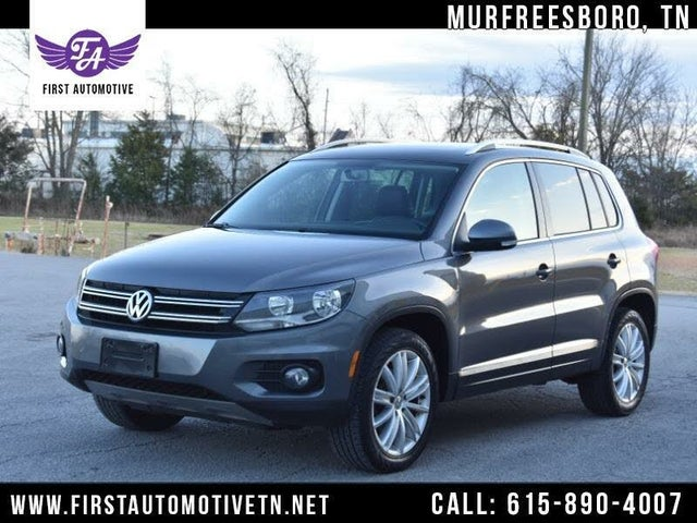 2012 Volkswagen Tiguan SE with Sunroof and Navigation