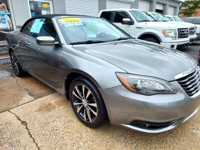 2011 Chrysler 200 S Convertible FWD